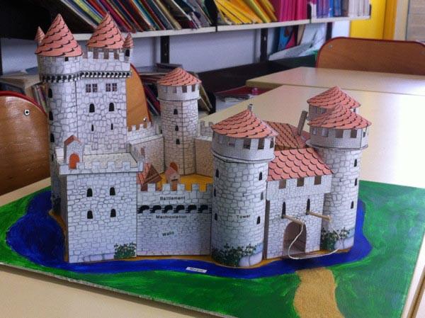 Schreiber Bogen  Maquette en carton : Château fort de Rotenfeld  Rue des